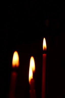 Свещ за помен